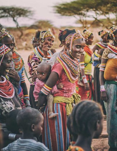 Group-of-locals-in-Kenya