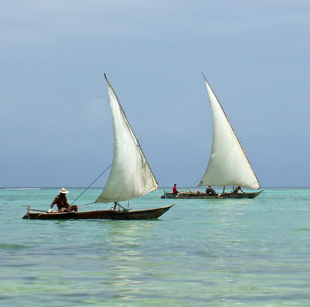 Dhow sailing — © Diamond Travel