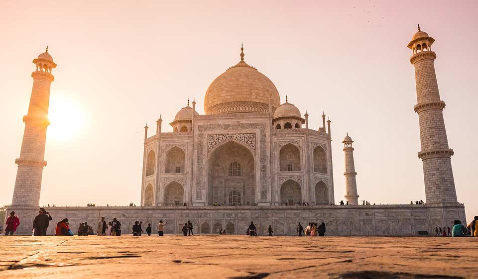 The Taj Mahal — Hi Tours